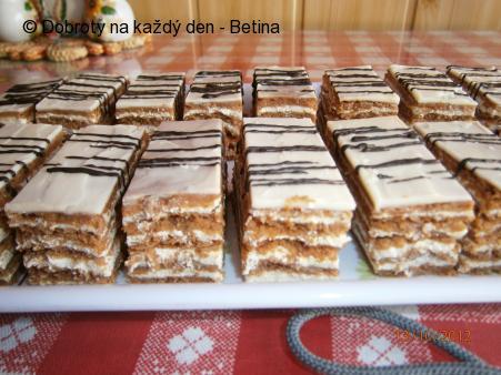 Kakaové medové řezy.