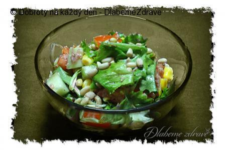 Hrstkový salát s tuňákem
