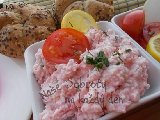 Pomazánka Surimi s vodnicí, rajčátky a zakysanou smetanou