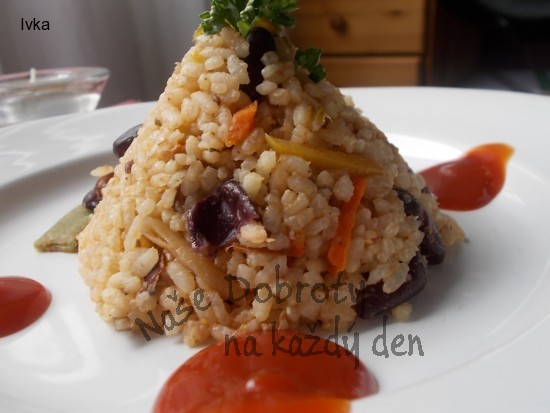 Barevná zeleninová rýže / co máme doma / s fazolemi