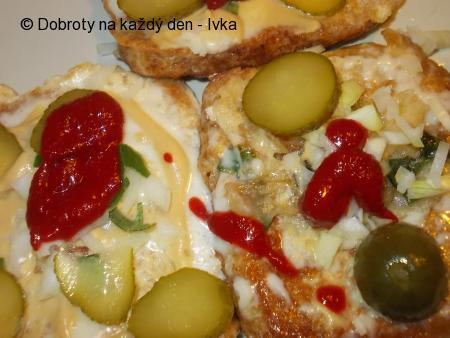 Rychlé teplé chleby z vajec a sýru