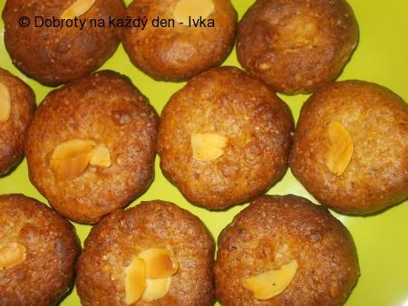 Sušenky z celozrné mouky, karobu a medu