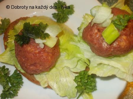 Kanapky s tatarským biftekem