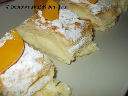 Kokosovo-vanilkový moučník  z listového těsta