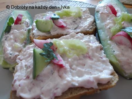 Plněné  salátové okurky - svěží večeře