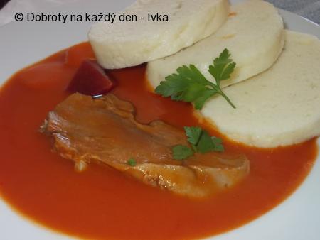 Rajská omáčka s mrkví, podáváná s hovězím jazykem
