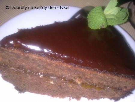 Jemný vídeňský Sacher dort /s jablkem/