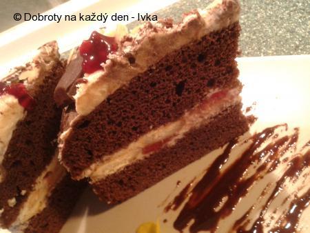 Čokoládový  dort  s jahodovo-tvarohovým  středem