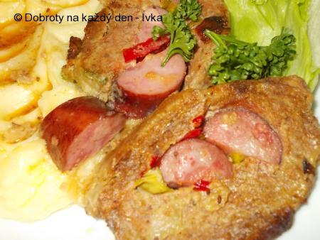 Chutná a barevná roláda z mletého masa
