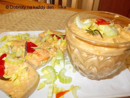 Šprotová pomazánka s celerem, tvarohem a jinou zeleninou