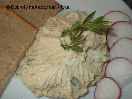 Dobrá pomazánka ze sýrů s modrou plísní,tvarohu a česneku