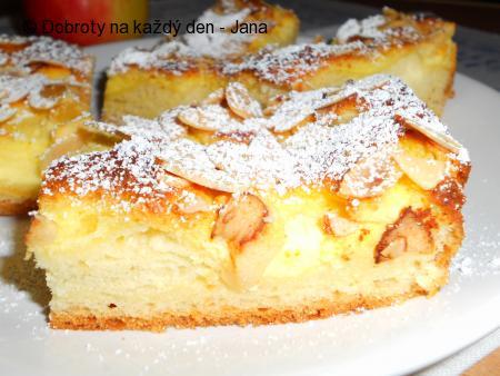 Kynutý tvarohovo-jablečný koláč