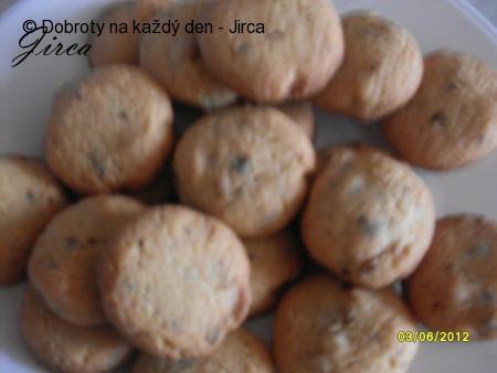 Cookies s kousky čokolády a vlašských ořechů