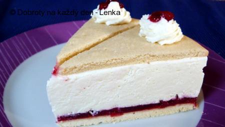 Šlehačkovo-tvarohový dort s brusinkami