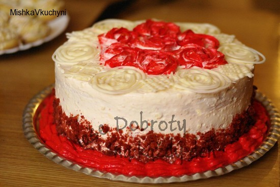 Red velvet dort + cream cheese icing