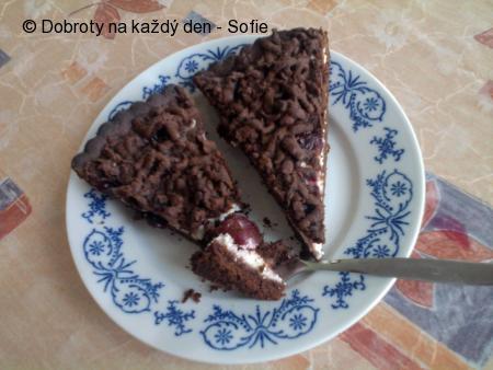 Strouhaný koláč alá višně v čokoládě