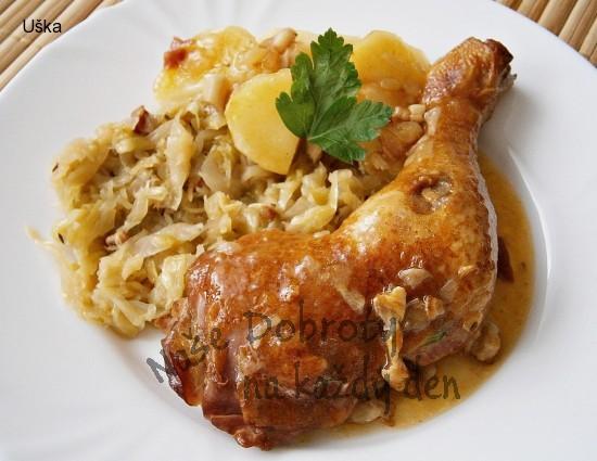 Uzená kuřecí stehna na slanině,v papiňáku