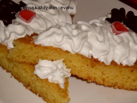 Kefírový koláč s příchutí meruněk