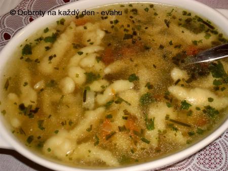 Polévka z hovězího srdce s vaječnými noky