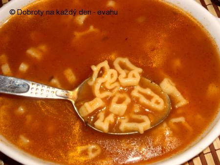 Polévka z rajčatového protlaku