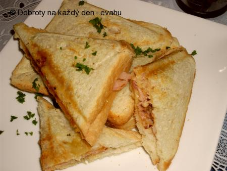 Slaninovo - kuřecí  sendviče