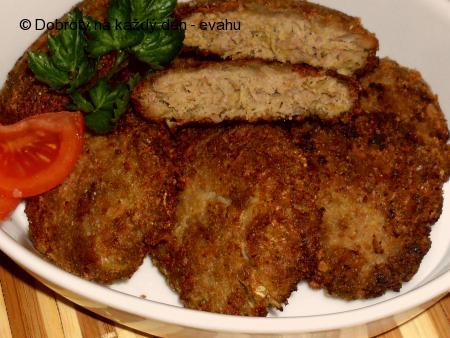Placičky z mletého masa s kysaným zelím a kari