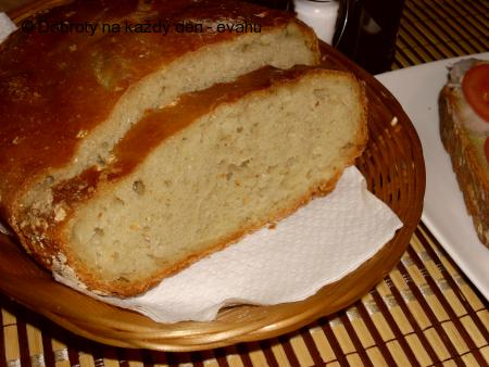 Chleba pečený v jenské míse