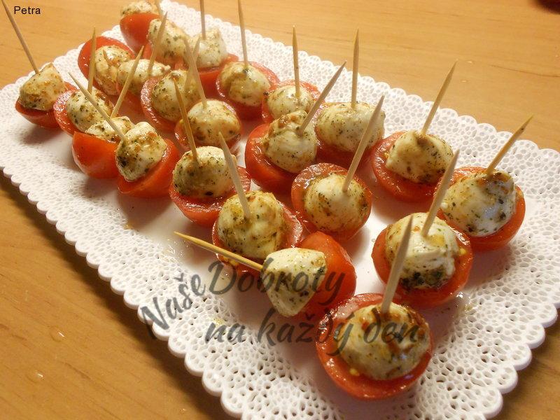 Rajčato-mozzarellové jednohubky