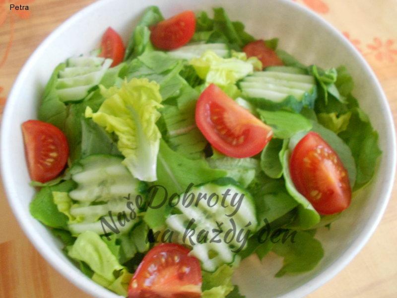 Hlávkový salát se zálivkou z umeocta