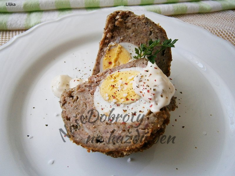 Masovo-hřibové koule plněné vejci