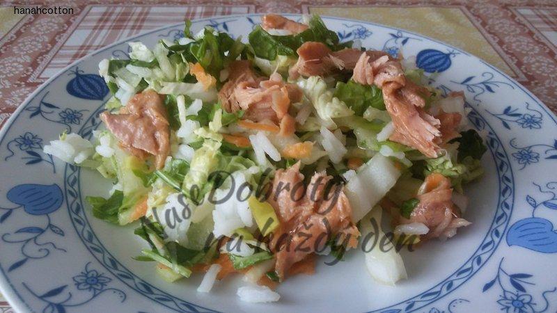 Salát s rýží a tuňákem