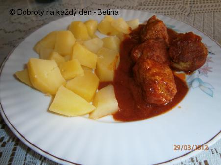 Masové kuličky s vařenými brambory