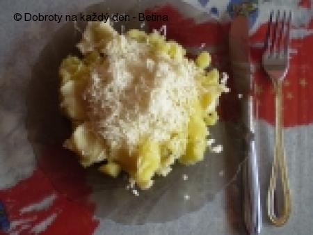 Knedlíčky s balkánským sýrem.