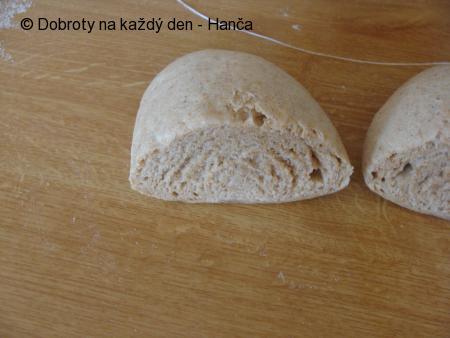 Špaldovo-celozrnný knedlík
