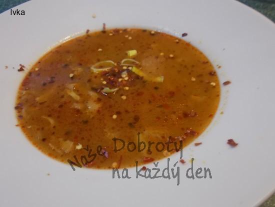 Drštková polévka s hlívou a feferonkou