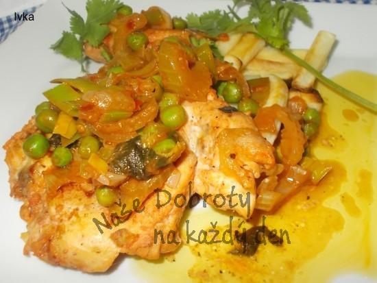 Marinovaná kuřecí prsíčka  v koření  Tandori masala s ostrou restovanou zeleninou