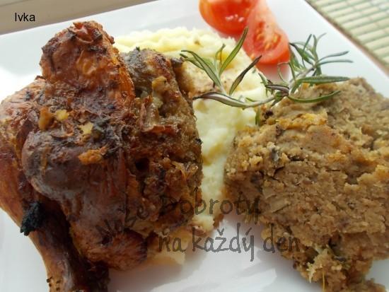 Kuře s játrovou nádivkou a žampiony