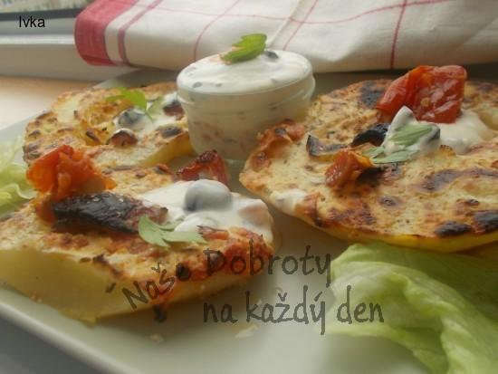 Patizon na grilu v jogurtu se sušeným rajčátky s olivami a česnekem