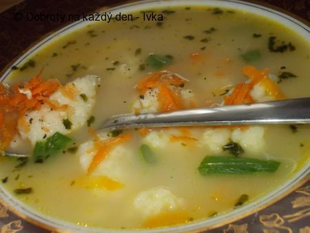 Zdravá, barevná a rychlá polévka z droždí
