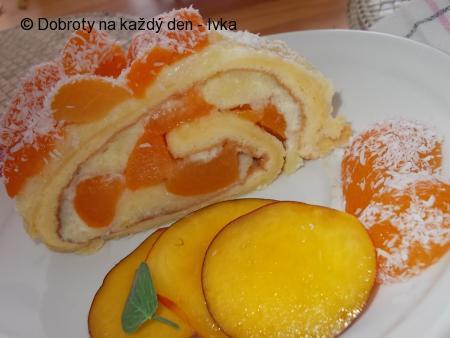 Lehká meruňková roládka s pudingem