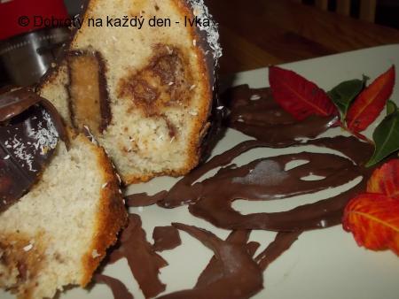 Banánovo-čokoládová bábovka s oříšky a  likérem