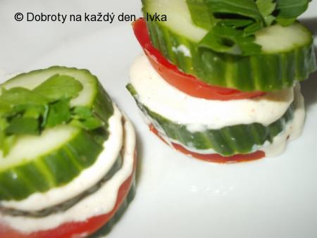 Jednohubky ze zeleniny a krému z lučiny