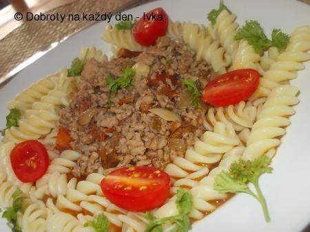 Pikantní chilli masová směs s rajčátky
