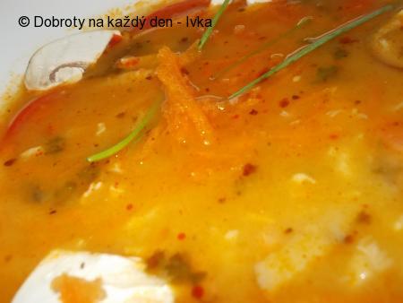 Drštková polévka  s uzeným masem, zeleninou, podle babiččiny kuchařky