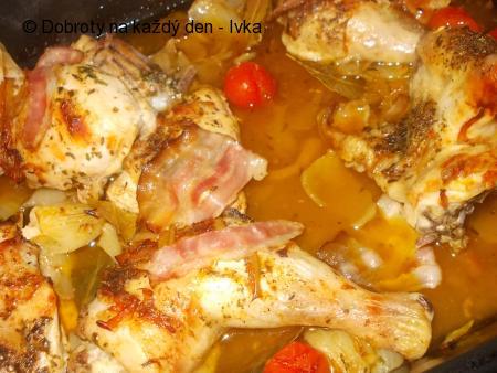 Kuře na zeleninovém leču  a divokém koření,  ala králičí pečeně