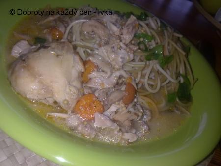 Hořčicové  špagety s kuřecím masem