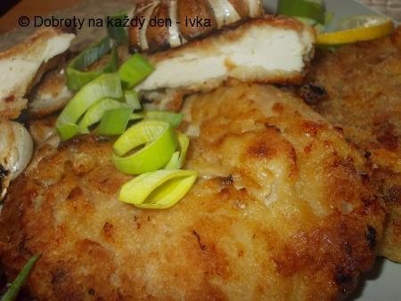 Kuřecí řízky, pomalu a dozlatova usmažené,  s jemnou marinádou