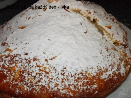 Bochánek / mazanec/ z jogurtů a bez kynutí