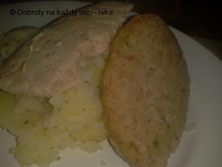 Dietní sekaná z krůtího mletého masa a s kořenovou zeleninou