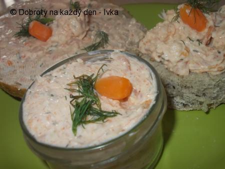 Chutná pomazánka z lososa a mrkvičky